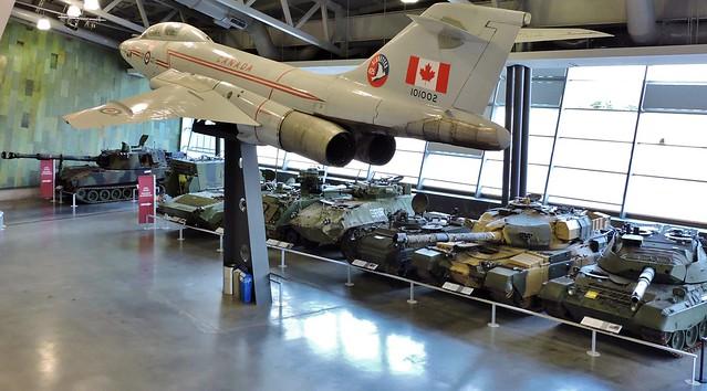 Plane; tanks, Nikon COOLPIX P530