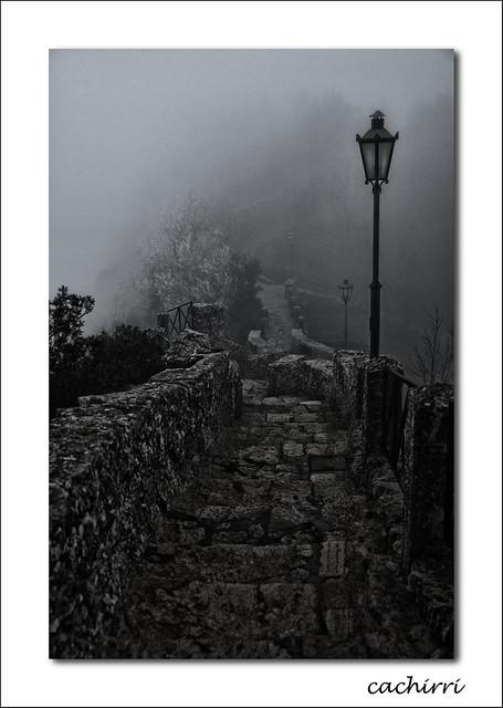 el camino de la muralla ( san marino 05 )