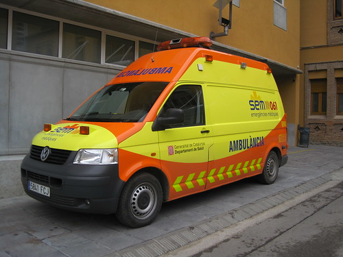 Ambulància a l'Hospital de Campdevànol (Ripollès)