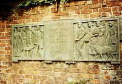 Photo of Robert Owen bronze plaque