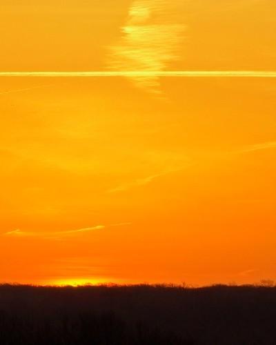 ohio clouds sunrise cleveland jettrail kirtland holdenarboretum bicknellfield morningmelon