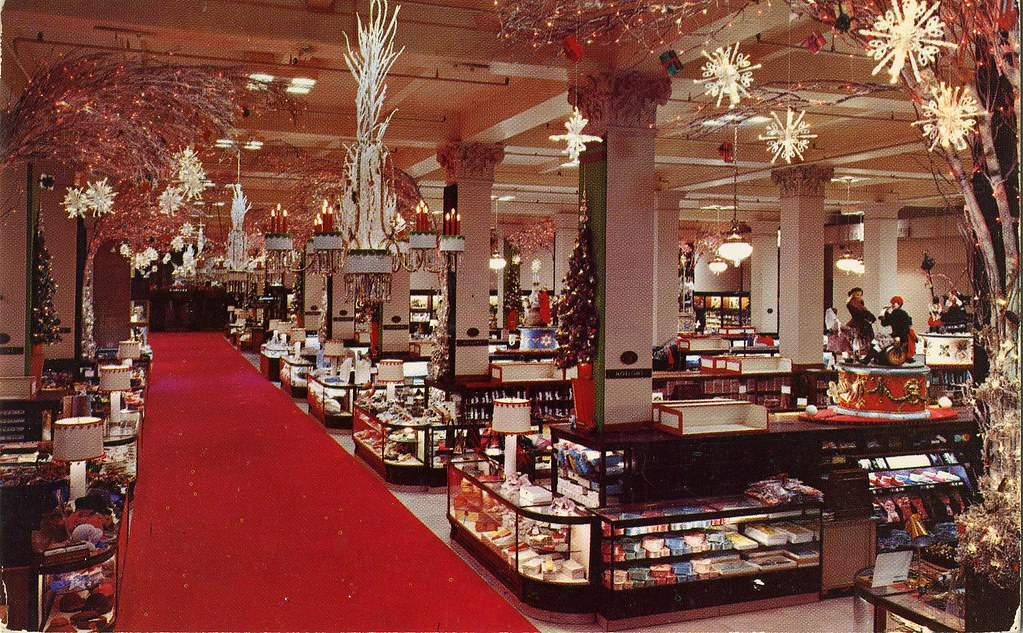 Woodward lothrop department store main aisle christmas for The decor store