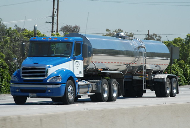 FREIGHTLINER BIG RIG TANKER TRUCK (18 WHEELER) | Flickr - Photo ... Vacuum Coloring Pages