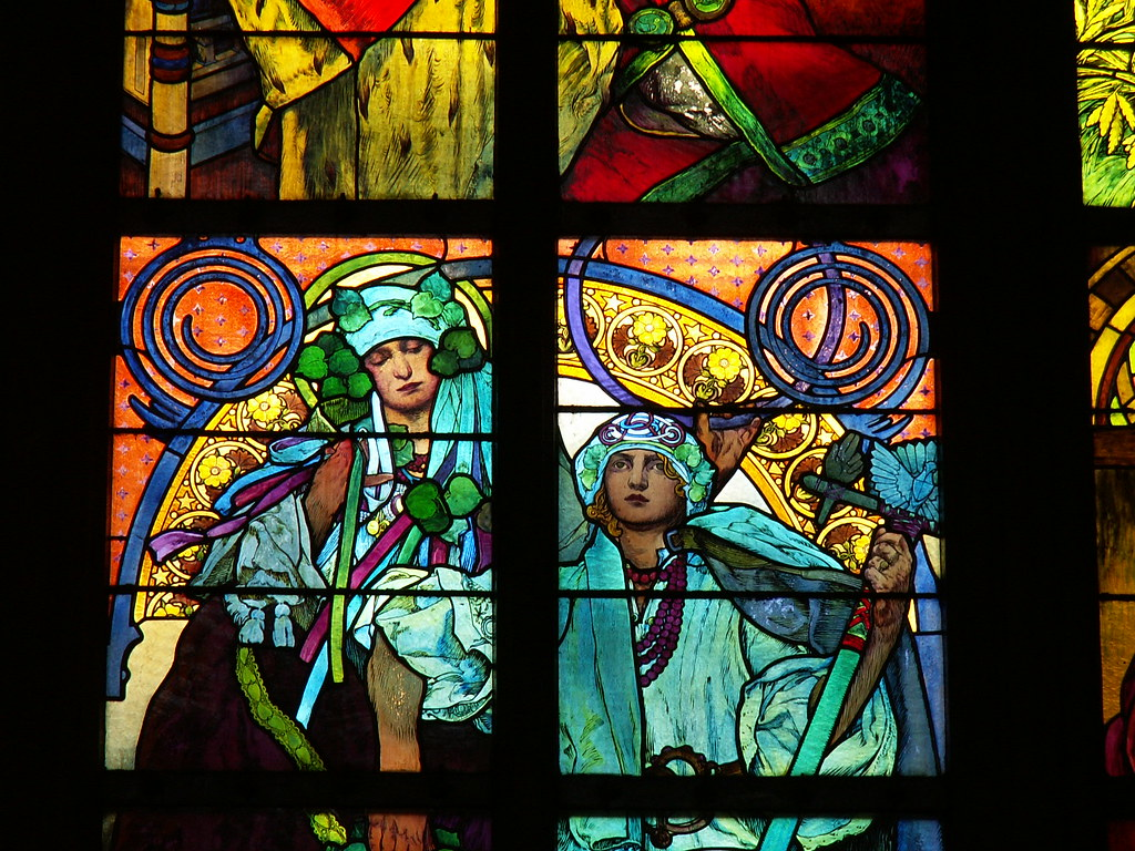 Vitraux de Mucha dans la cathédrâle Saint Guy de Prague - Photo de Valerie Hukalo