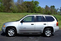 automobile, sport utility vehicle, vehicle, compact sport utility vehicle, gmc envoy, land vehicle,