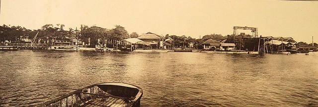 22 L'Arsenal vu de la rivière de Saigon