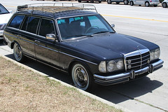 automobile, automotive exterior, vehicle, mercedes-benz w123, mercedes-benz, antique car, classic car, land vehicle, luxury vehicle,