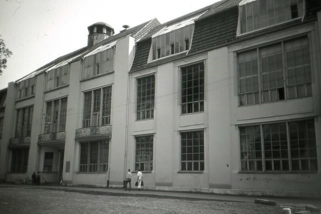 Weimar bauhaus kunsthochschule hochschule fuer architektur und bauwesen orwo up15 film may - Architektur weimar ...