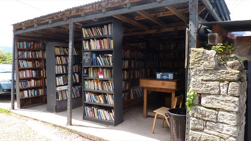 Make-do book shop in Hay-on-Wye