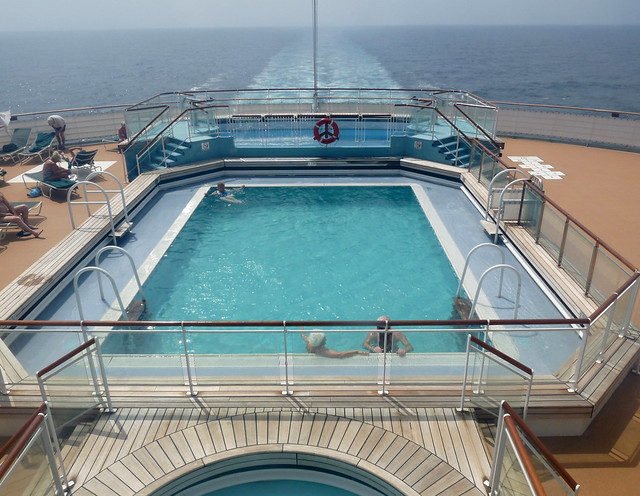 Queen mary 2 outdoor swimming pool flickr photo sharing - Queen mary swimming pool victoria ...