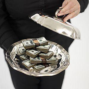 _деньги_на_блюдце