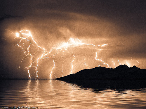 Flooded lightning @ Great Salt Lake, Utah