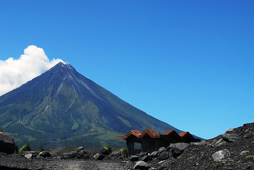 mountain landscape lava ruins philippines damage vulcan bicol eruption cagsawa albay mayonvolcano perfectcone fongetz francistan volcanincrocks