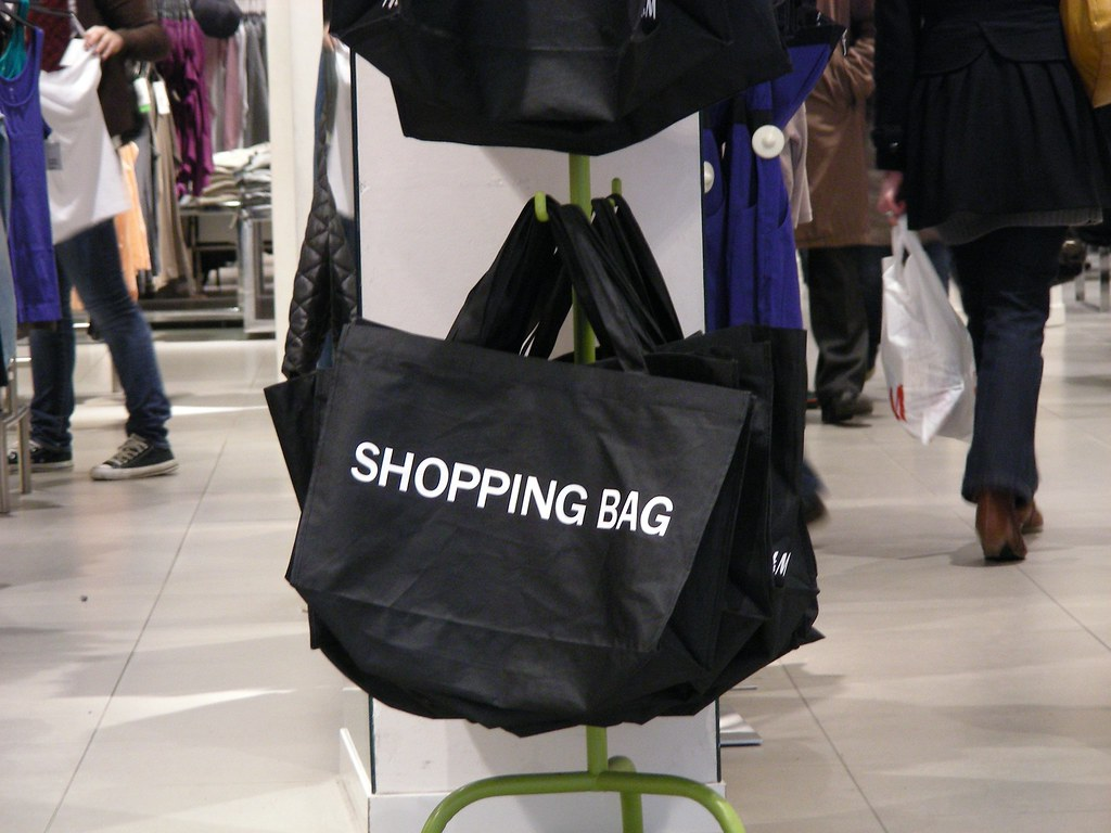essays about shopping addiction View this essay on shopping as an addiction the title alone of the essay gives in miniature a fair taste of de graaf et al 's rhetorical strategy the phrase.