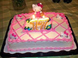 Torte mit hello Kitty Deko