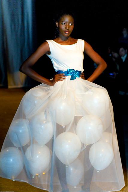 Online Fashion Show Tmall  Views