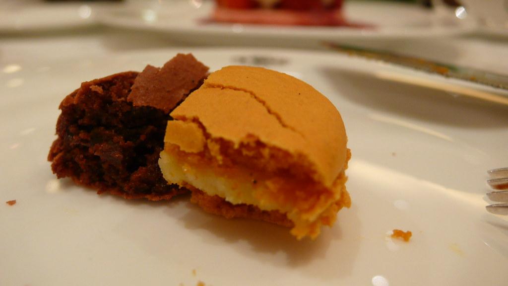 Macaron (S$2 each)