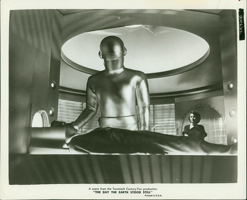Gort does his duty