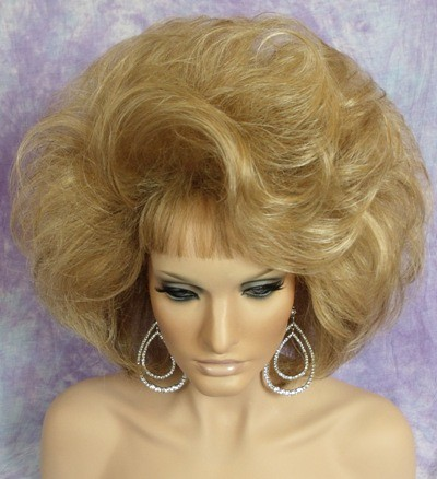 Sexy Blonde Bouffant