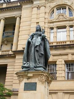 Image of Queen Victoria near Brisbane. statue sandstone orb victoria brisbane casino rod fujifilm queenvictoria conradtreasurycasino s2000hd