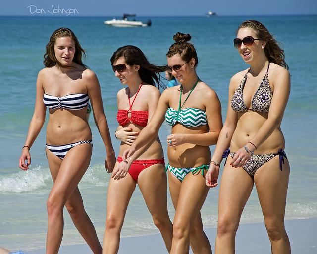Die heutigen Bikinis sind knapp ...