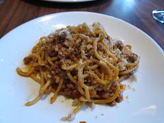 produce(0.0), vegetarian food(1.0), bucatini(1.0), spaghetti(1.0), pasta(1.0), bolognese sauce(1.0), pici(1.0), food(1.0), dish(1.0), european food(1.0), carbonara(1.0), cuisine(1.0), chow mein(1.0),