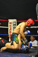professional wrestling(0.0), scholastic wrestling(0.0), muay thai(0.0), shoot boxing(0.0), amateur wrestling(0.0), collegiate wrestling(0.0), puroresu(0.0), wrestler(0.0), punch(0.0), professional boxing(1.0), individual sports(1.0), contact sport(1.0), sports(1.0), combat sport(1.0), muscle(1.0), kickboxing(1.0), sanshou(1.0), amateur boxing(1.0), boxing(1.0),