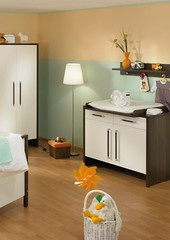 white-and-wood-baby-nursery-furniture-sets-by-Paidi-19-554x7