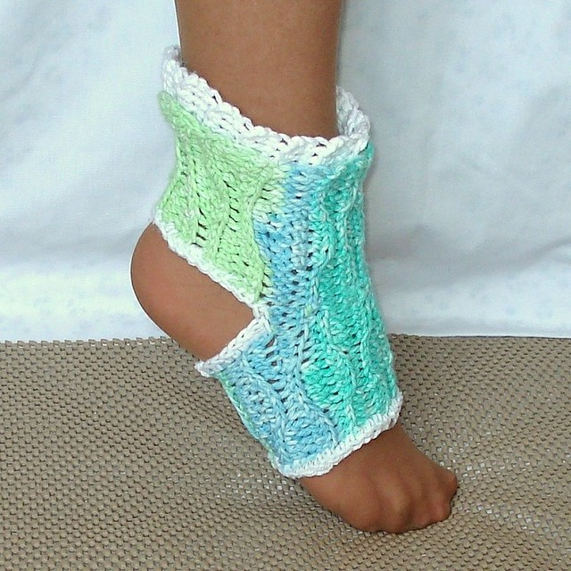 Wave Yoga Socks Crochet Pattern Kids and Adults Beginner c ...