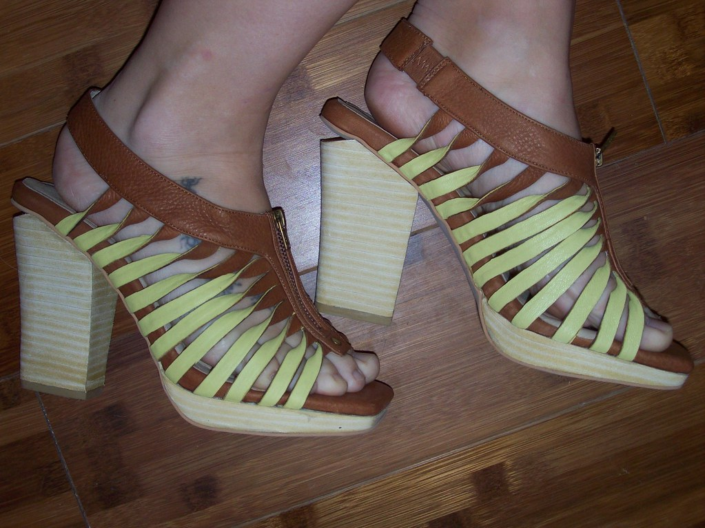 Farylrobin sandals
