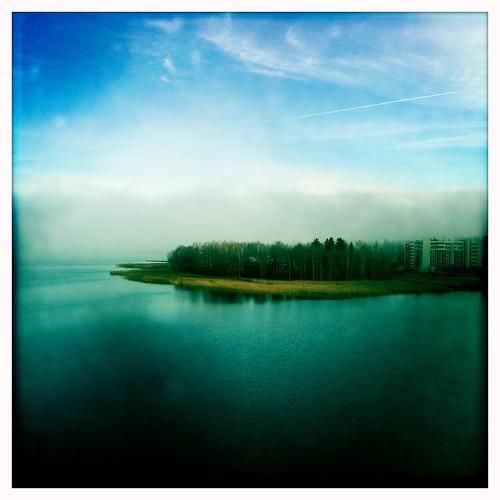 autumn mist lake fall misty finland view condo highrise processed jyväskylä järvi jyväsjärvi lutakko tornitalo iphone4 hipstamatic