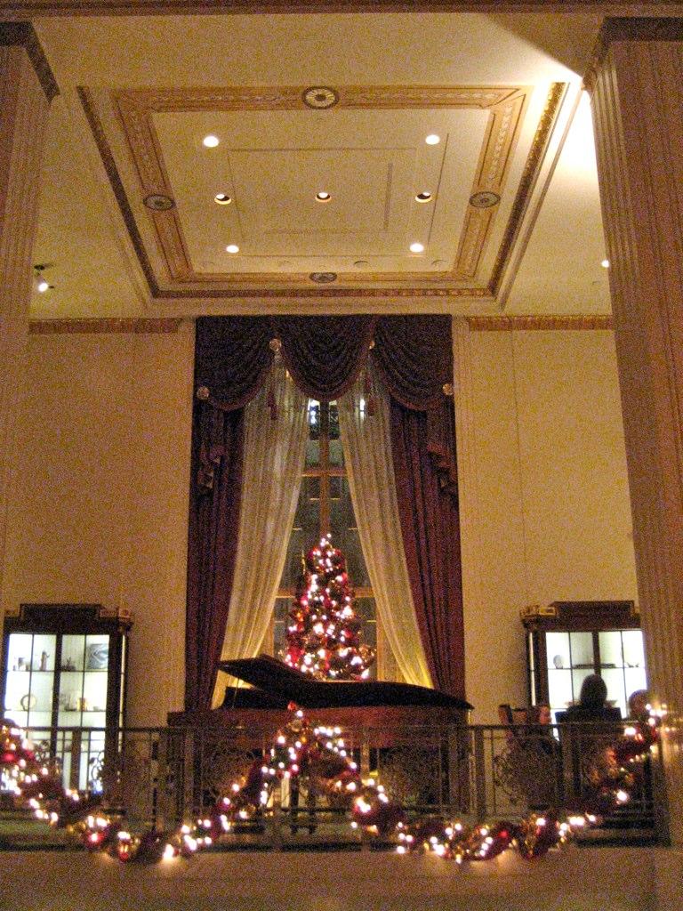 Waldorf - Astoria Cole Porter Piano