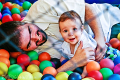 child(1.0), play(1.0), ball pit(1.0), toy(1.0),