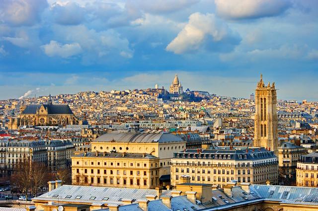 Paris vu depuis les tours de notre dame la colonne du - Piscine chambray les tours ...