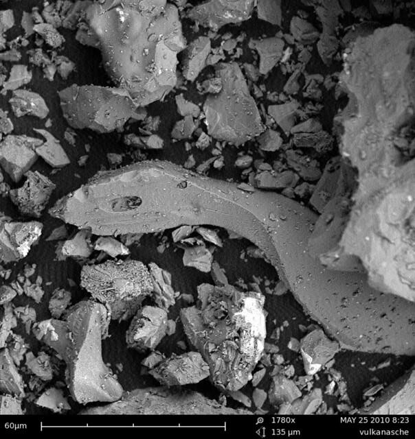 Vulkanasche / Volcanic ash of Eyjafjallajökull | Ash sample ...