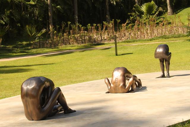 Скульптуры Эдгара Соуза