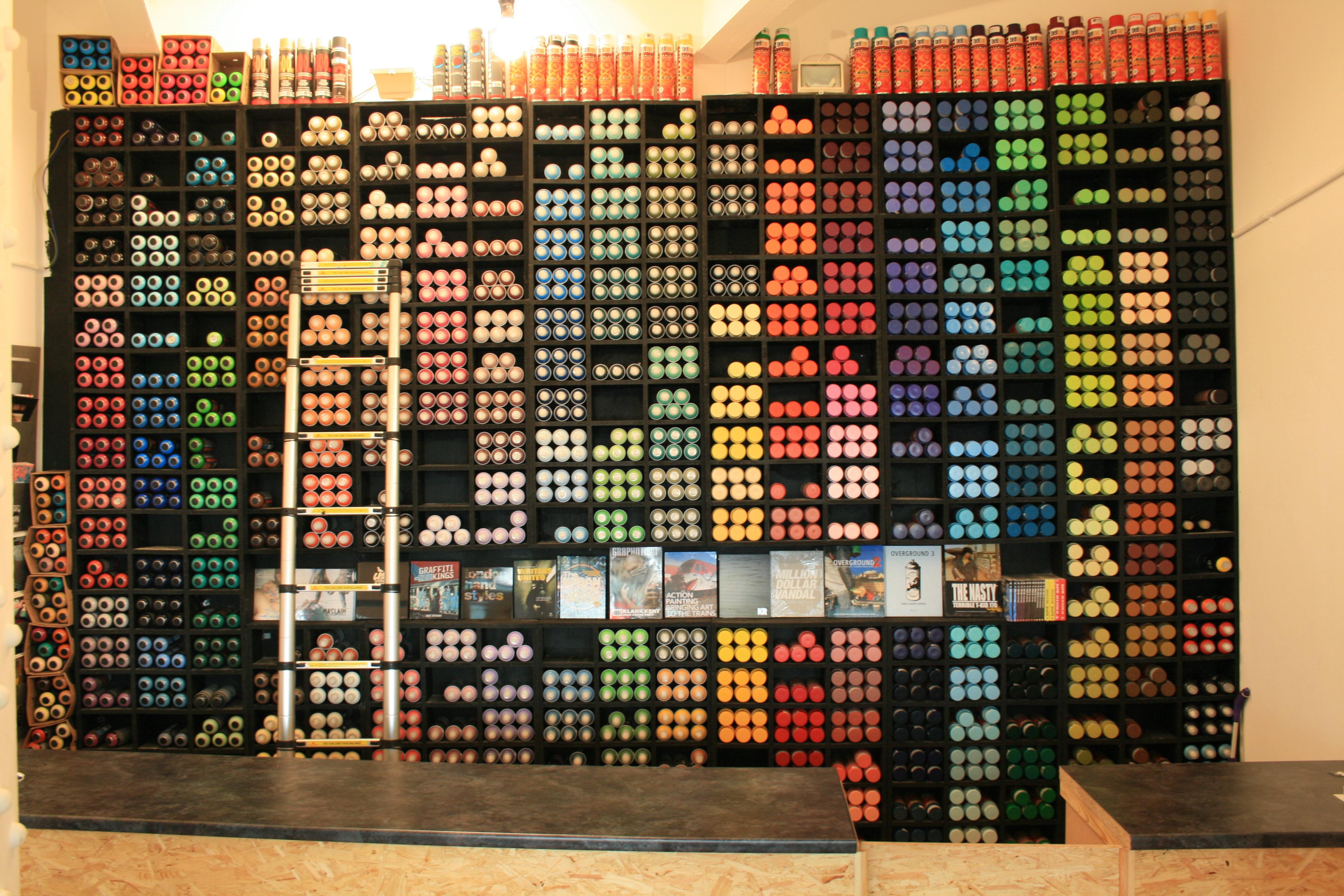 Graffiti Shop [3888 x 2592] : OrganizationPorn