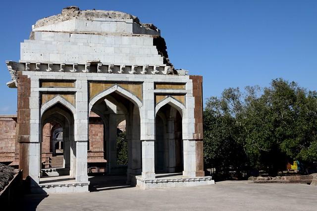 mandu Ashrafi Mahal