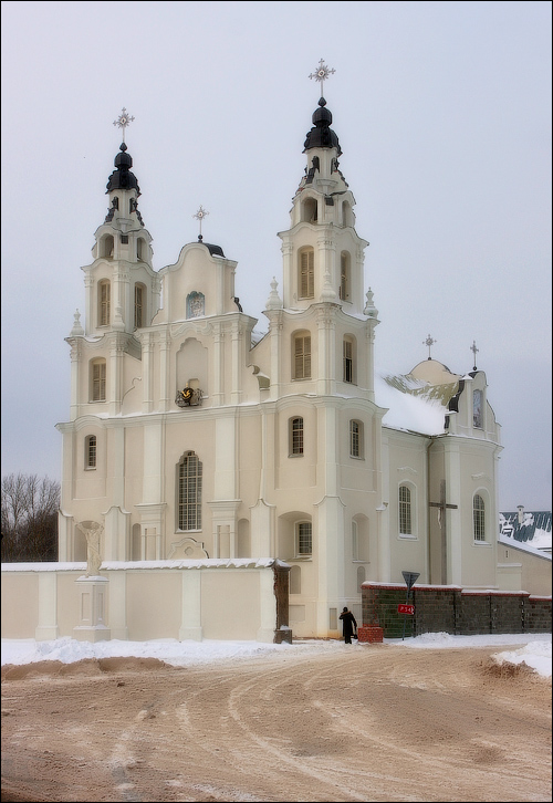 Ивенец, Костел св. Михаила Архангела