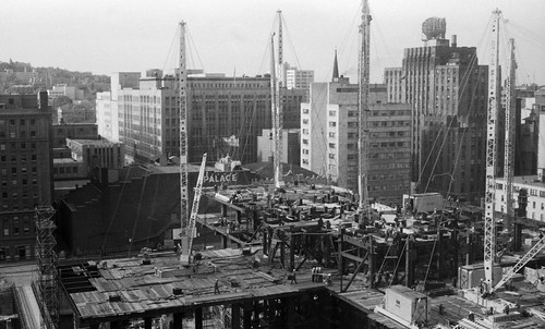 Construction de la Place Ville-Marie, 1960