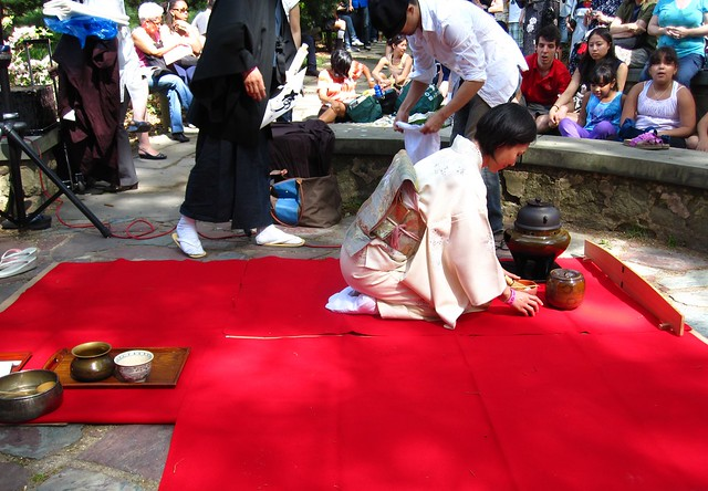 Preparing for the tea ceremony at Sakura Matsuri 2010. Photo by Rebecca Bullene.