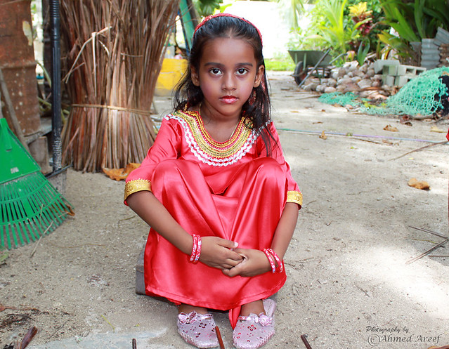 Dhivehi Girls http://www.flickr.com/photos/arippe_photos/4638709416/