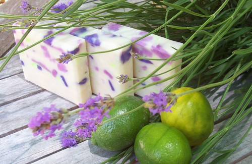 lave and lime soap 006