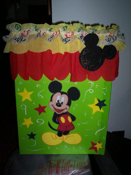 Caja de regalo Mickey Mouse - Imagui
