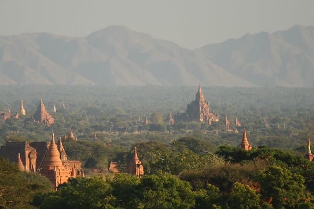 Temples of Bagan in Burma by Flickr user edbrambley