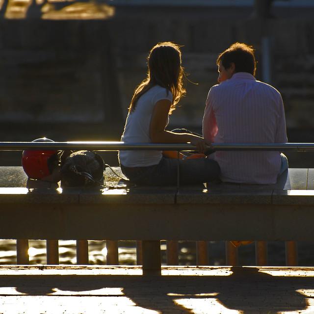 Spain - Barcelona - Port Vell couple - sq