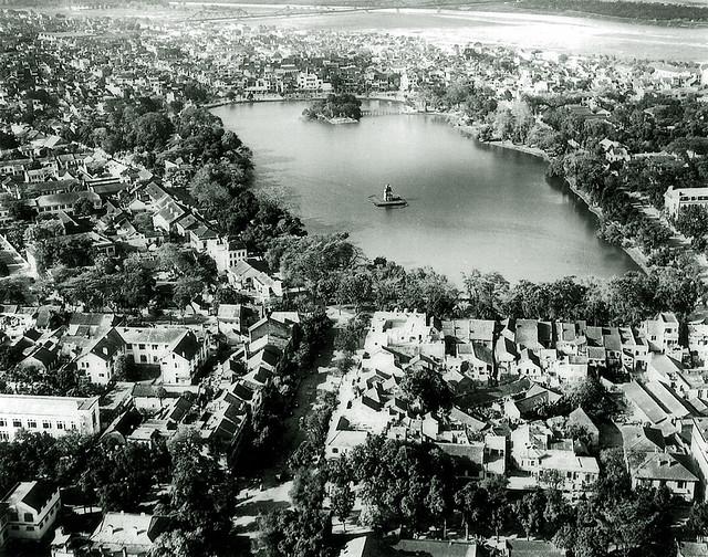 Petit Lac - Hoan Kiem Lake, 1940's