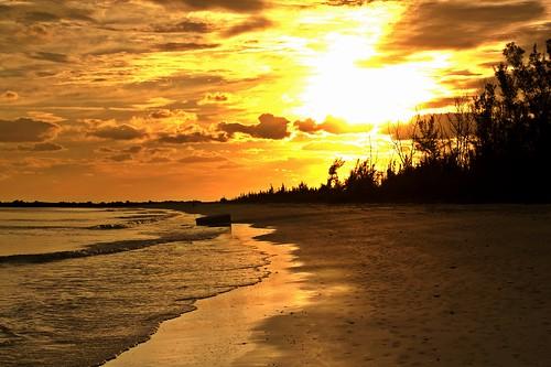 sunset beach canon silver island rebel 50mm evening break f14 tide grand freeport bahama xsi lucaya 450d vanagram mattpbecker mpbecker