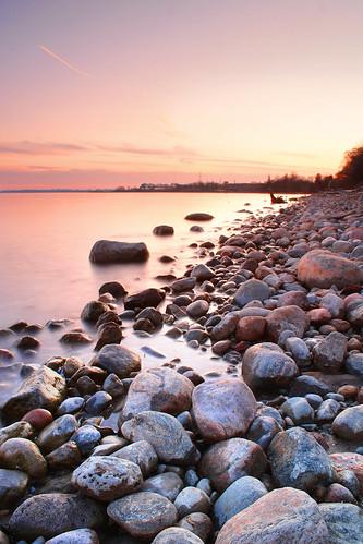 longexposure lake toronto ontario beach water rock rocks tripod ajax waterblur lakeontario rotarypark slowwater nd8filter ndgradfilter