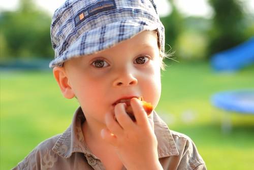Kleiner Snack im Garten